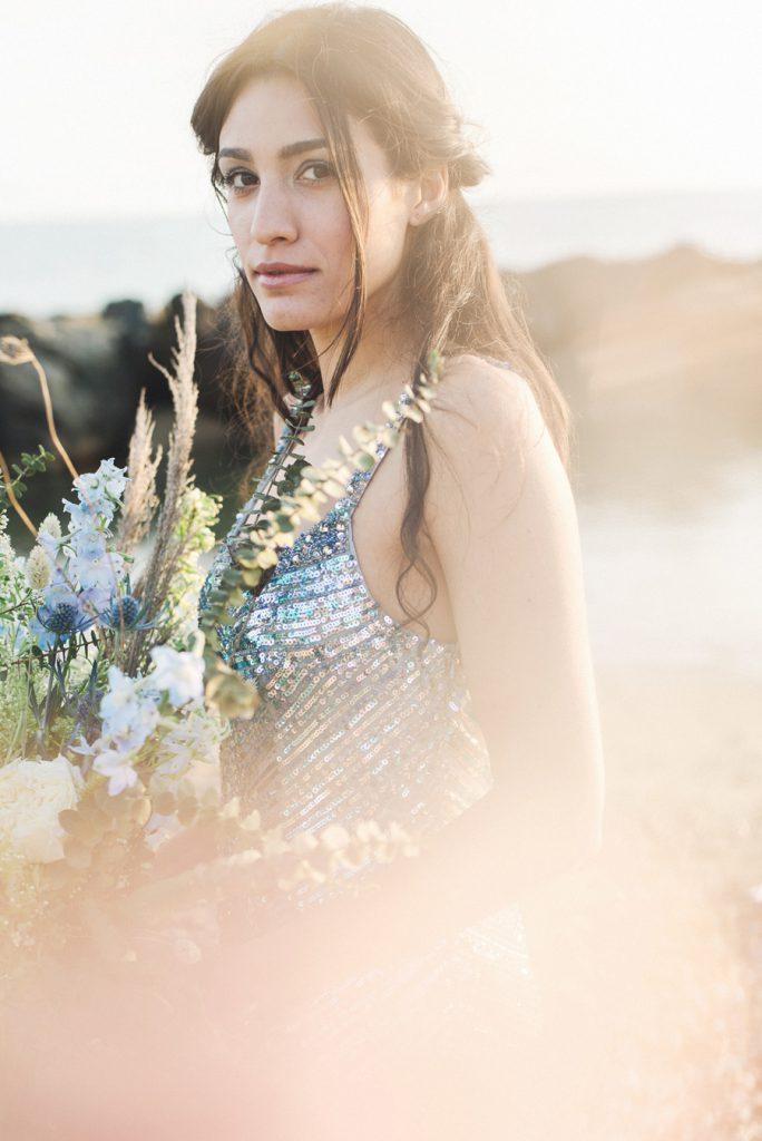 ispirazione matrimonio in spiaggia sposa in paillettes