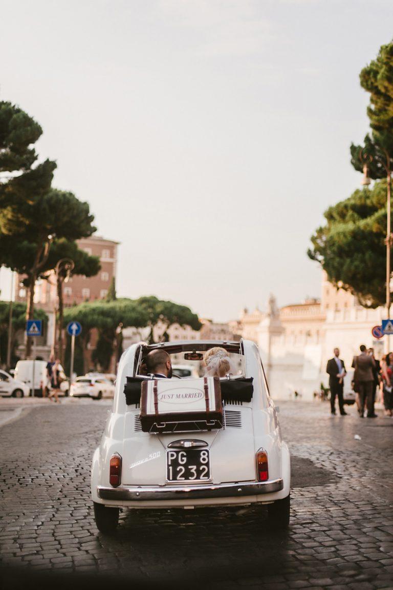 reportage matrimonio roma; elopement in rome; destination wedding italy rome; fotografo di matrimonio a roma;